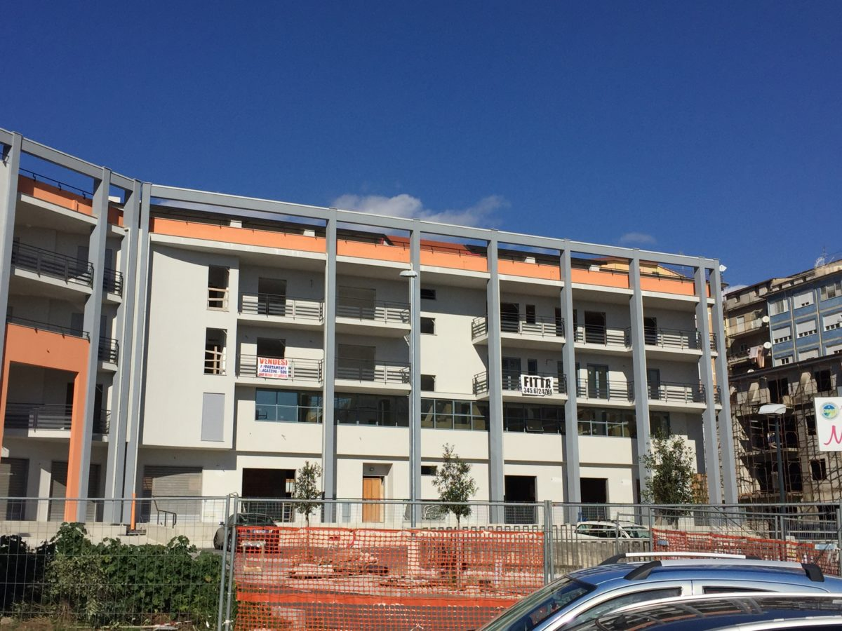 Vendesi Appartamento P.zza della Repubblica a Lamezia Terme nuova costruzione
