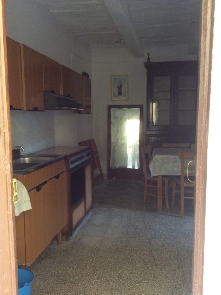 Piano terra cucina soggiorno immobiliare meraglia for Piano casa piano terra