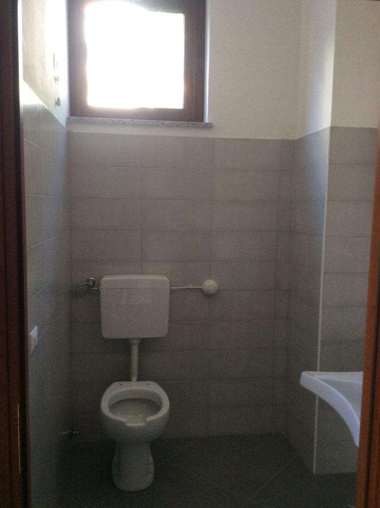 Bagno disabili immobiliare meraglia - Obbligo bagno disabili attivita commerciale ...