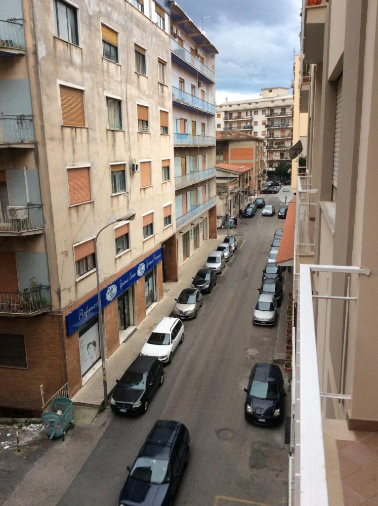 Vista balcone strada principale1